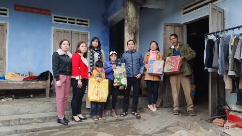 Đoàn xã Quế Phú - Quế An - Chi đoàn Cơ quan Đảng - MTĐT huyện trao quà xuân yêu thương 2021