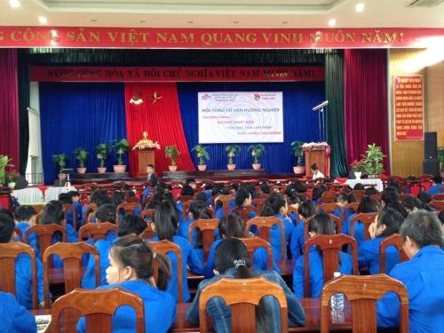 Huyện đoàn Quế Sơn phối hợp với Công ty TNHH Hợp tác Quốc tế thời đại mới – Chi nhánh Hương An tổ chức buổi Hội thảo tư vấn, hướng nghiệp.