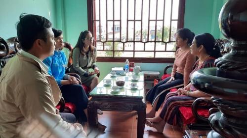 Huyện đoàn Quế Sơn thăm, chúc mừng em Đồng Thị Vy - Nữ thanh niên xã Quế Phú chuẩn bị lên đường nhập ngũ năm 2021