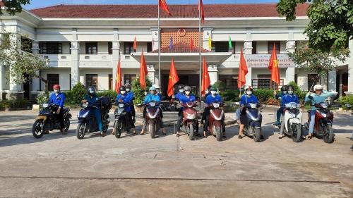 Quế Phú ra quân tuyên truyền bầu cử