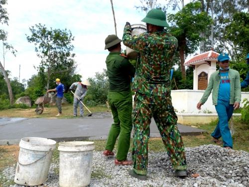 Ra quân xây dựng công trình thanh niên cấp huyện  chào mừng kỷ niệm 65 năm Ngày truyền thống Hội LHTN Việt Nam