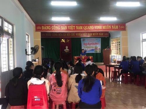 """Sinh hoạt chi đoàn với chủ đề """"Tôi - Người đoàn viên Đoàn TNCS Hồ Chí Minh"""" tại Chi đoàn thôn An Phú, xã Quế Mỹ"""