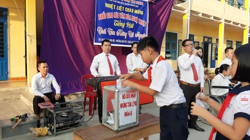 """TH Đông Phú: Giao lưu văn nghệ """"Trái tim không tật nguyền"""""""