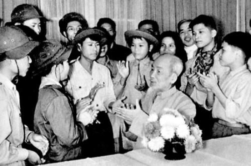 Thấm nhuần tư tưởng của Chủ tịch Hồ Chí Minh về giáo dục, bồi dưỡng thanh niên
