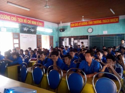 Tư vấn tuyển sinh, hướng nghiệp năm 2016  cho học sinh trường THPT Quế Sơn