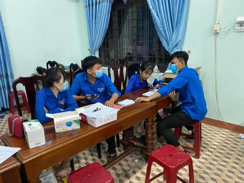 Tuổi trẻ Hương An tích cực hỗ trợ cấp CCCD trong tình hình dịch bệnh Covid-19