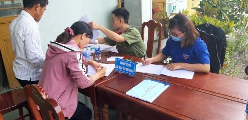 Tuổi trẻ huyện Quế Sơn phối hợp, hỗ trợ lực lượng công an thực hiện  chiến dịch cấp căn cước công dân